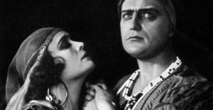 кадр из фильма Sumurun (One Arabian Night, 1920)